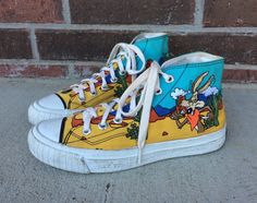 Rare vintage 1990s LOONEY TUNES Keds High Top SNEAKERS 7.5 cartoon print  kitschy grunge canvas shoes indie hipster unique cactus 062a60b31