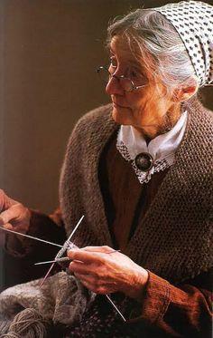 Tasha Tudor Knitting