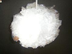 kerstbal van plastic zakjes