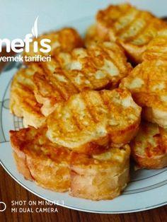 French toast recipes recipes recipes - - Yumurtalı Ekmek Egg Bread # To yumurtalıek the the Yummy Recipes, Delicious Dinner Recipes, Pie Recipes, Snack Recipes, Snacks, Healthy Food List, Healthy Meals For Kids, Breakfast Items, Breakfast Recipes