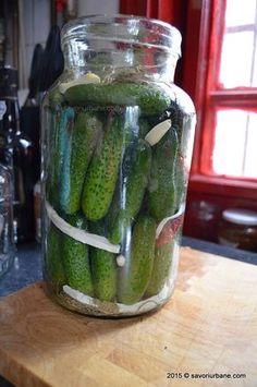 cum se prepara castravetii murati in saramura Pickles, Cucumber, Diy And Crafts, Food And Drink, Cooking Recipes, Canning, Vegetables, Yum Yum, Bedroom