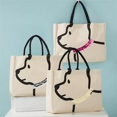Sequin Collar Dog Tote The perfect tote for all our fur mamas! Dog Tote bag with sequin collar and handles that make adorable ears! Patchwork Bags, Quilted Bag, Crazy Patchwork, Patchwork Designs, Patchwork Patterns, Bag Patterns, Sac Lunch, Dog Tote Bag, Messenger Bags