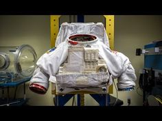 The Extravehicular Mobility Unit (EMU) has been the suit worn by spacewalking astronauts since the beginning of the Space Shuttle Program. A mishap during development of the EMU helped to shape NASA's current safety culture. Astronauts In Space, Nasa Astronauts, Space Tourism, Space Travel, Sistema Solar, Space Solar System, Space Preschool, Outer Space Theme, Space And Astronomy
