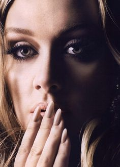 Vogue British Editorial The Bombshell: Adele, October 2011