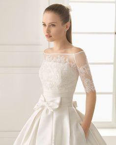Image from https://fashionbride.files.wordpress.com/2015/06/rosa-clara-two-bridal-2016-fashionbride-website-dresses-50.jpg?w=800.