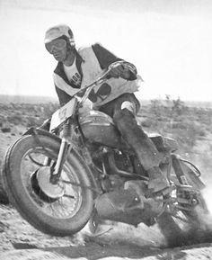 Desert Sled, Motorcycle Racers, Bike Ideas, Bike Stuff, Dirt Bikes, Lifted Trucks, Cool Bikes, Bikers, Hare