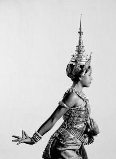 Isabel Munoz - Danza Khmer