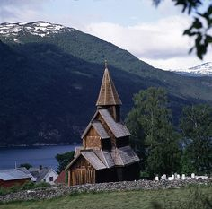 Urnes Stave Church is in Luster township in Sogn county, in a magnificent natural setting: the ideal of the 1880's natural-romantic Norwegian landscape.