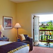 Wine Country Wedding Hotel Resort Accommodations.  The Lodge at Sonoma