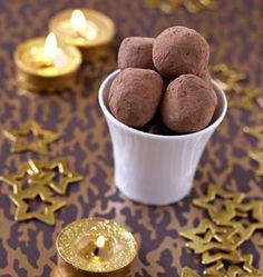 Truffes au chocolat, sans oeufs, la recette d'Ôdélices : retrouvez les ingrédients, la préparation, des recettes similaires et des photos qui donnent envie !