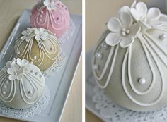 Wilton round sphere pans bake these darling Bauble Cakes!