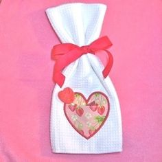 Heart Applique Pocket 4x4 | Valentine's Day | Machine Embroidery Designs | SWAKembroidery.com Pickle Pie Designs