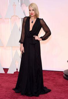 Le tapis rouge des Oscars 2015 Margot Robbie en Saint Laurent © Abaca