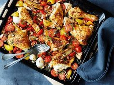 Opskrift på ovnbagt kylling med paprika, mandler og tomat