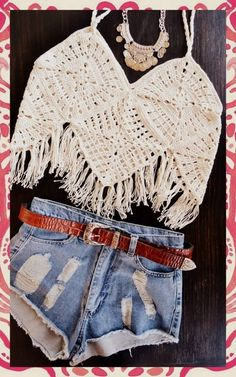 ** doesn't go to a page, round & round & back again** musculosas crochet boho Top Crop Tejido En Crochet, Crochet Halter Tops, Crochet Blouse, Crochet Bikini, Crochet Diy, Crochet Granny, Crochet Crafts, Crochet Things, Crochet Clothes