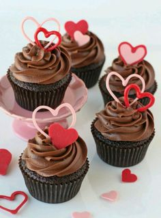 Chocolate cupcakes are a classic dessert, so why not dress them up with some heart shaped toppers for Valentine's Day? If you're in a time bind, just use store-bought cupcakes! Valentines Baking, Valentine Day Cupcakes, Valentines Day Desserts, Heart Cupcakes, Valentine Treats, Pink Cupcakes, Hydrangea Cupcakes, Valentine Heart, Lemon Cupcakes
