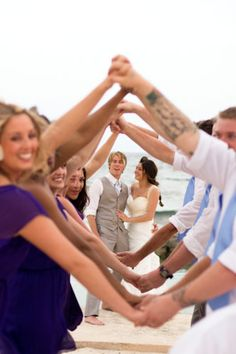 Would make for a cute wedding pose with the bridal party. <3