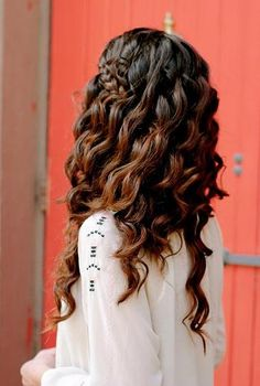 Dark Brown Waves & Side Braid - Hairstyles and Beauty Tips
