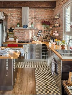 Kitchen with chess  floor