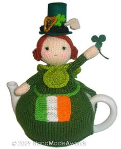 ❇Crochet Tea Cosies, Coffee and Tea Cup and Mug Snugs and Hugs a crochet doll tea cosy Tea Cozy, Coffee Cozy, Tea Cosy Pattern, Knitting Patterns, Crochet Patterns, Scarf Patterns, Teapot Cover, Knitted Tea Cosies, Crochet Geek