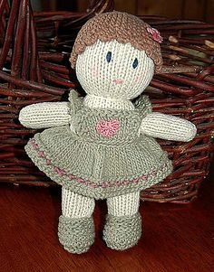 Ravelry: Little Darlings pattern by Jean Greenhowe just like my old doll, gift from my chinese language teacher Knitted Dolls Free, Knitted Doll Patterns, Crochet Dolls, Knitting Patterns Free, Crochet Pattern, Easy Knitting Projects, Knitting For Kids, Loom Knitting, Baby Knitting