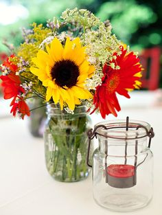 """Yellow and red together here, but the mason jar keeps it summery and from feeling too """"autumn."""""""