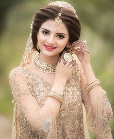 New Bridal Wear Ideas and Designs for All Functions Pakistani Bridal Hairstyles, Bridal Hairstyle Indian Wedding, Pakistani Bridal Makeup, Pakistani Wedding Outfits, Indian Bridal Outfits, Indian Bridal Fashion, Pakistani Dresses, Pakistani Mehndi, Indian Gowns