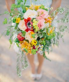 Bright colour bouquet - Fresh Details For Bridal Bouquets | itakeyou.co.uk