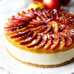 Valkosuklaakakku omenakuorrutteella Panna Cotta, Cheesecake, Ethnic Recipes, Desserts, Brick, Food, Dulce De Leche, Deserts, Cheese Cakes