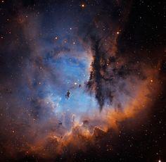 Esta espectacular nebulosa es NGC 281. En su interior se encuentra el cúmulo abierto IC 1590. Está a 10.000 años-luz de distancia del Sistema Solar, en la dirección de la constelación de Casiopea. Foto de Martin Pugh. #astronomia #ciencia
