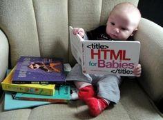 ¡Toca estudiar! Este bebé tiene cara de saber mucho...