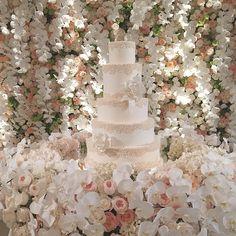 A most beautiful setting : @thebutterend stunning cake @dukeimages cannot wait for your professional photos @ambereventprod- my crew #whitelilacinc @wettermeow @golnaz @lorendunnn @yasminefarimani @bethybowman @tay_alexandra_k thank you @bevhillshotel for hosting us ✨✨✨