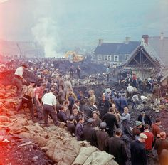 1966 The tragedy in Aberfan Wales was one of the United Kingdom's worst mining disasters and was avoidable Uk History, British History, History Facts, The Crown Season 3, Ocean Photography, Photography Tips, Queensland Australia, Western Australia, British Government