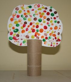 Kid's fall tree craft - toilet paper roll, with fingerprint leaves