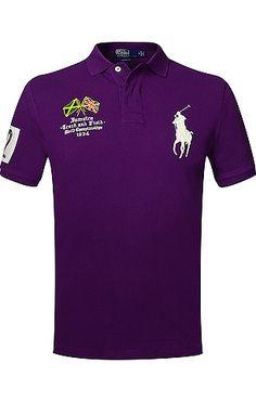 Körperbetontes Polo-Shirt von Ralph Lauren in Lila. Aus hochwertigem  Baumwollpiqué gefertigt f9ff334e73931