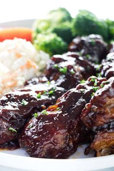 Country-style pork ribs in the oven turn out tender and delicious. These pork ribs have a double layer of caramelized barbecue sauce. Country Style Ribs Oven, Country Ribs Recipe, Country Style Pork Ribs, Oven Pork Ribs, Smoked Pork Ribs, Rib Recipes, Smoker Recipes, Fall Recipes, Dinner Recipes