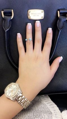 French Nails - Hello my page White Tip Acrylic Nails, Acrylic Nails Natural, Short Square Acrylic Nails, Square Nails, White Nails, Classy Nails, Simple Nails, Cute Toe Nails, Pretty Nails