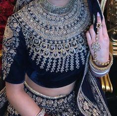 Choli Designs, Saree Blouse Designs, Pakistani Outfits, Indian Outfits, Ethnic Fashion, Indian Fashion, Blue Silk Saree, Indian Designer Suits, Stylish Blouse Design