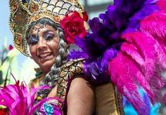 21-Jul-2014 14:20 - ROTTERDAM UNLIMITED TREKT 900.000 BEZOEKERS. Het driedaagse festival Robin Rotterdam Unlimited heeft afgelopen weekeinde ruim 900.000 bezoekers getrokken, liet de organisatie maandag weten. Grootste publiekstrekker was de straatparade van het Zomercarnaval op zaterdag, die zoals elk jaar honderdduizenden mensen op de been bracht.