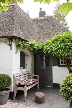 High Gloss Dutch Door / Going Dutch: A Cozy Studio Apartment
