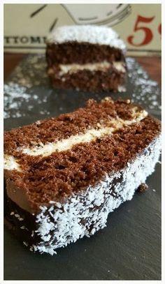 Génoise chocolat et crème à la noix de coco (facon kinder délice)