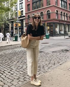 This happy about being in New York 🍎 (bag is gifted) Mode Outfits, Fashion Outfits, Womens Fashion, Fashion Quiz, 80s Fashion, Korean Fashion, Vintage Fashion, Fashion Tips, Classy Outfits