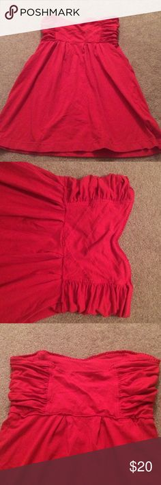 """Flirty Red Dress Cute red strapless dress with a sweetheart neckline and pockets.  It is pretty short on me but would probably fit well on someone more petite (I'm 5'3"""", 34D). Ocean Drive Dresses Mini"""
