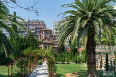 Panagia Chalkeon Sidewalk, Mansions, House Styles, Home Decor, Decoration Home, Manor Houses, Room Decor, Side Walkway, Villas