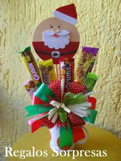 Ygg Christmas Gift Baskets, Homemade Christmas Gifts, Christmas Wrapping, Christmas Crafts, Christmas Decorations, Christmas Ornaments, Christmas Party Deserts, Candy Bouquet Diy, Christmas Coloring Pages