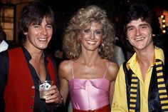 """Thank you to for sharing this """"Grease"""" era photo with the Bay City Rollers. with ・・・ with Alan Longmuir and Les McKeown from the Bay City Rollers in Bay City Rollers, Olivia Newton John Grease, Les Mckeown, Tanya Tucker, Special Olympics, Studio 54, Vintage Music, Music Tv, Boy Bands"""