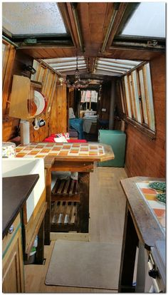 The Boathouse: a new definition to lakefront living! Living On A Boat, Small Living, Living Spaces, Canal Boat Interior, Narrowboat Interiors, Houseboat Living, Houseboat Ideas, Make A Boat, Interior Windows