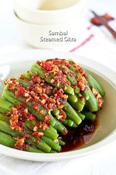 This piquant Sambal Steamed Okra with a spicy sambal belacan and soy sauce dressing is full of umami flavor. Takes only 20 minutes to prepare. Okra Recipes, Asian Recipes, Ethnic Recipes, Chinese Recipes, Oriental Recipes, Asian Foods, Easy Recipes, Chinese Vegetables, Mixed Vegetables