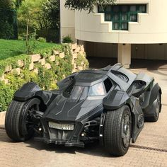 A Printed Batman: Arkham Knight Cosplay Carros Audi, Automobile, Weird Cars, Futuristic Cars, Modified Cars, Armored Vehicles, Future Car, Amazing Cars, Awesome
