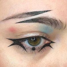 Joker Harley Quinn eye makeup look > split brow > face art > dimensions Punk Makeup, Edgy Makeup, Makeup Eye Looks, Grunge Makeup, Gothic Makeup, Eye Makeup Art, Makeup Inspo, Makeup Inspiration, Fantasy Makeup